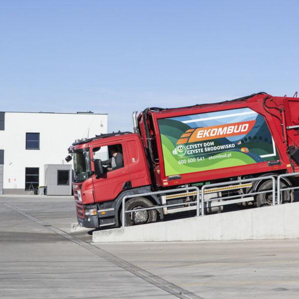 ciężarówka na odpady ekombud